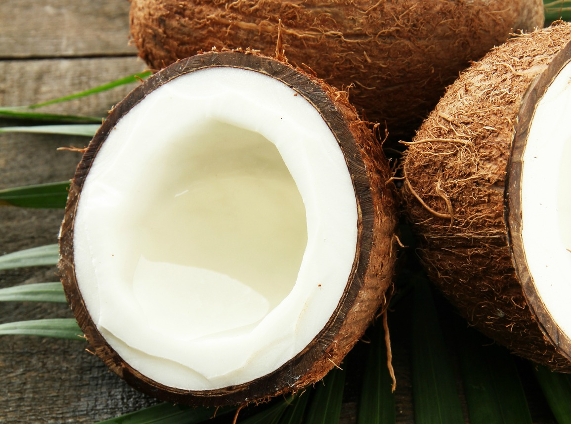 The Benefits of Replacing Cow's Milk With Coconut Milk