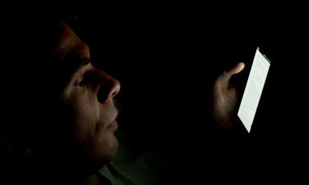 Using Your Smartphone at Night Could Be Killing You