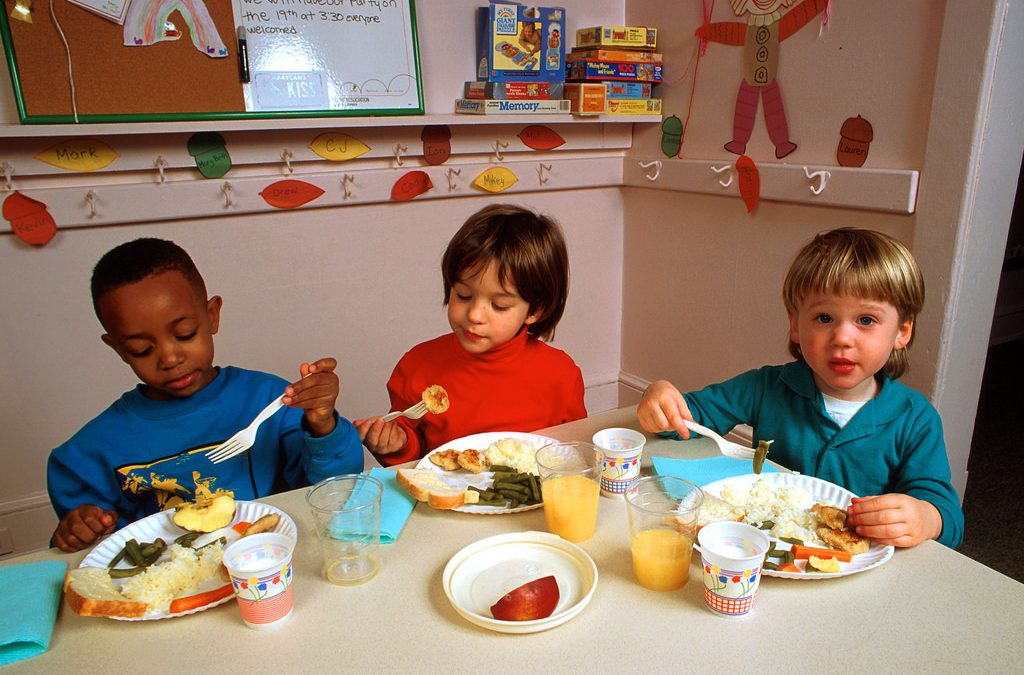 Ways My Toddler is Teaching Me to Eat Well