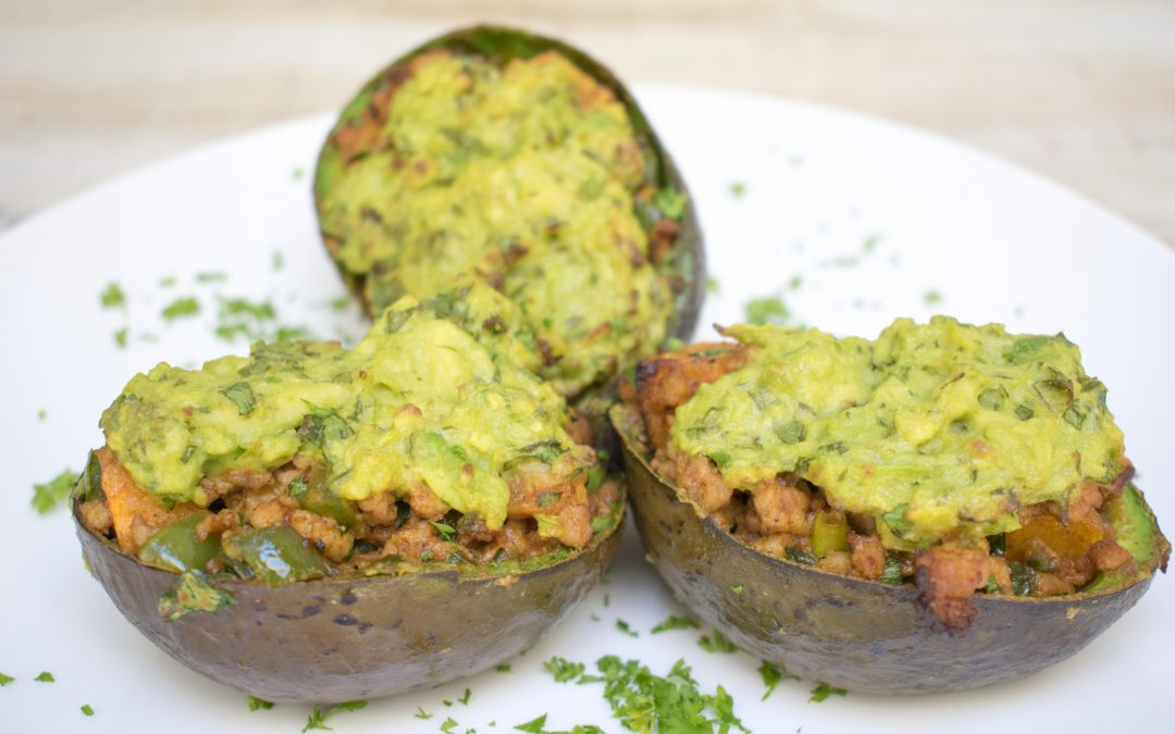Spicy Chicken Stuffed Baked Avocado – Paleo on the Go