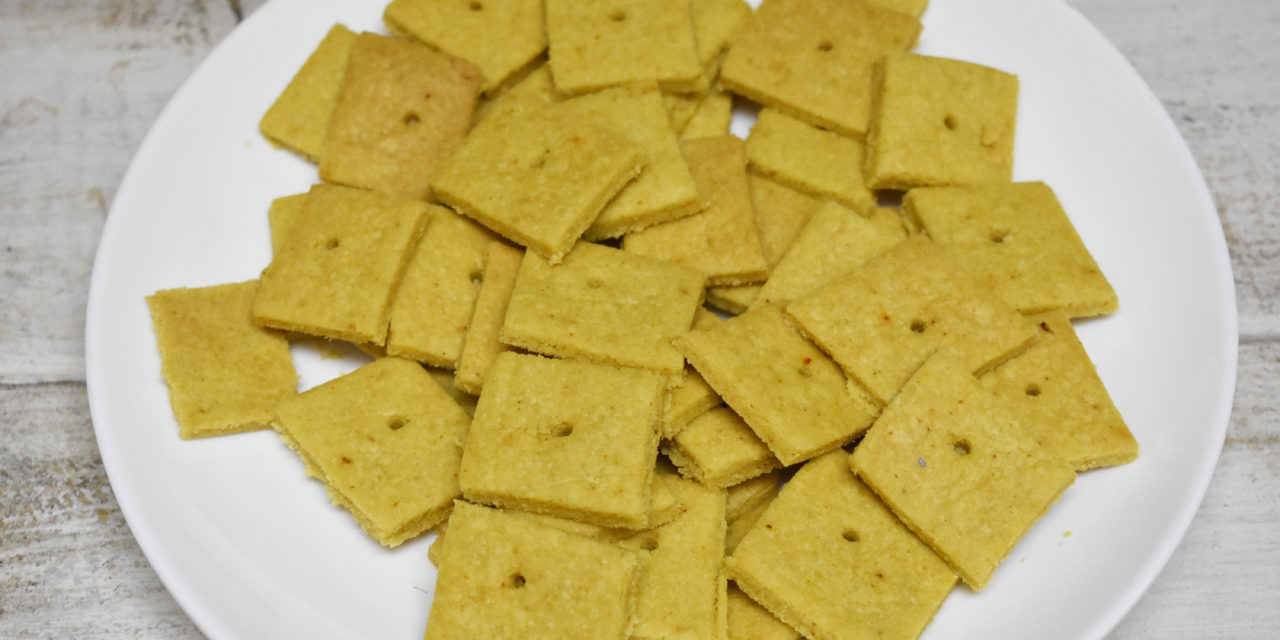 """Easy Paleo Snack Time: Chef Ann's """"Cheese-Its"""""""